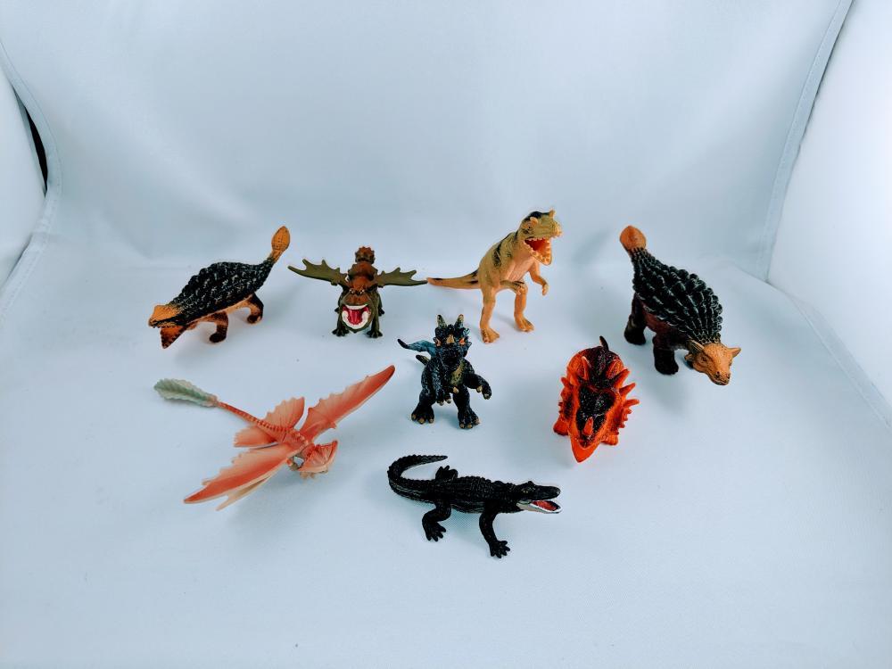 Lot of (8) Dinosaurs/Alligator Styracosuarus Ankylosaurus Dilophosaurus toys