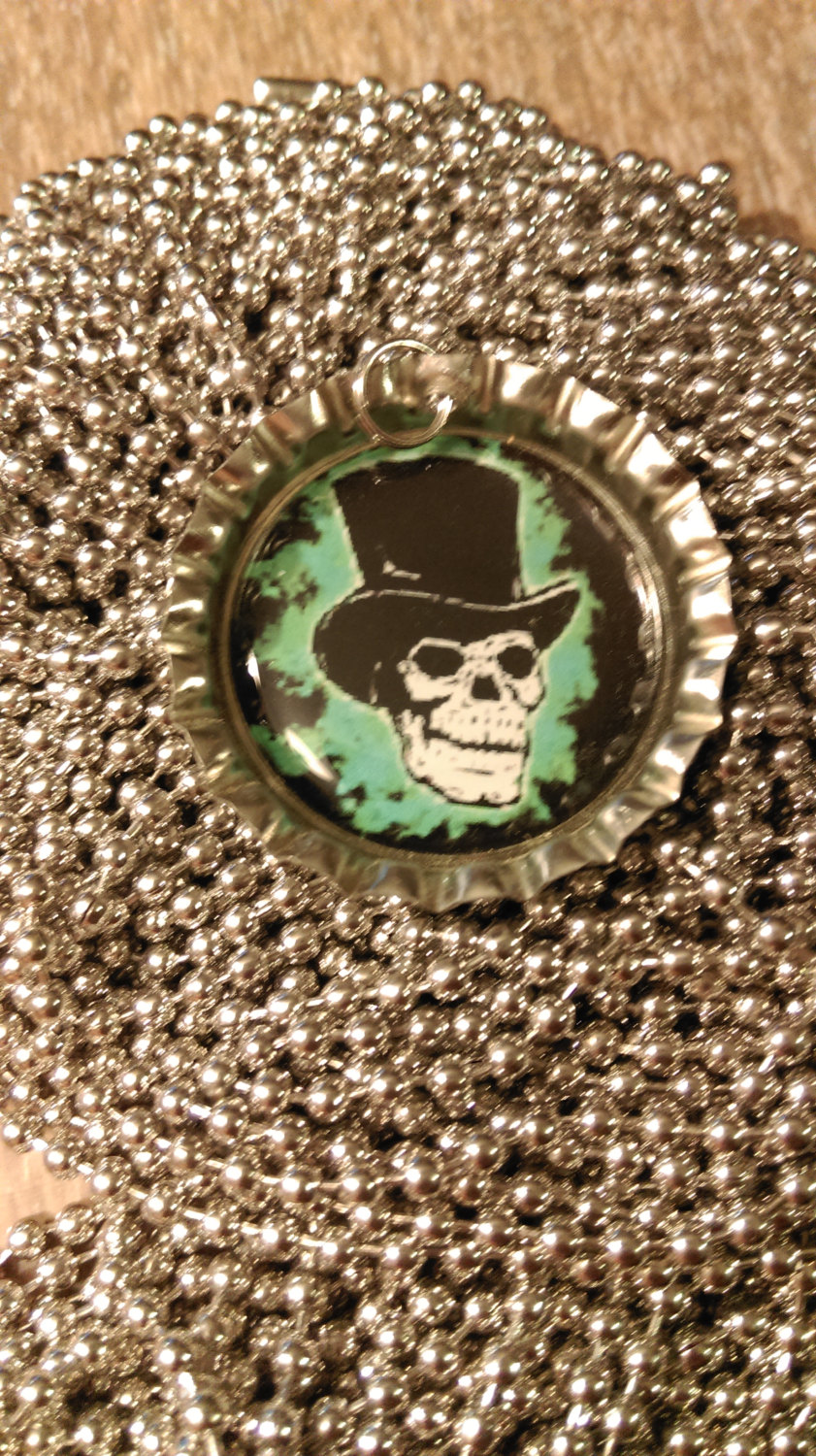 Skull With Top Hat Bottle Cap Necklace With 24