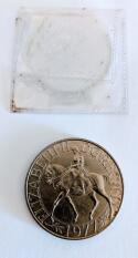 1952-1977 H.M. Queen Elizabeth II Silver Jubilee Crown Coin United Kingdom w/ sleeve